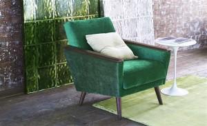 Stuhl in antikisiertem Samt von Designers Guild